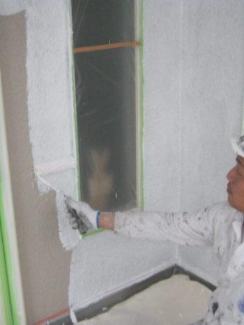 I様邸の外壁下塗りの様子