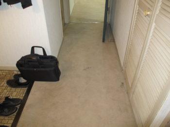 我孫子ビレジの廊下フローリング張り替え前