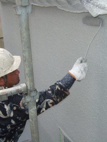 柏市T様邸の外壁塗装の様子