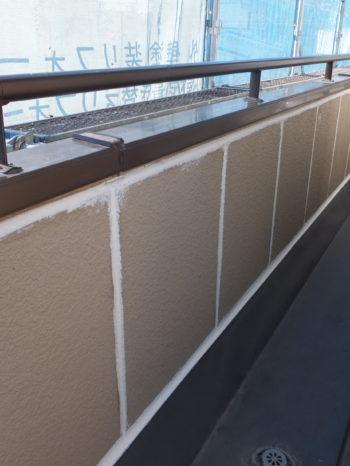 柏市N様邸のヘーベル板のシーリング打ち替えの様子