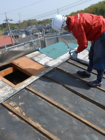 柏市T様邸の屋根工事の様子
