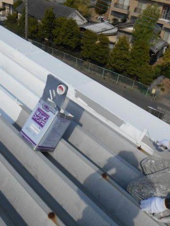 三郷市倉庫の屋根錆止め塗装