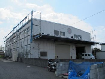 三郷市倉庫屋根塗装前の様子