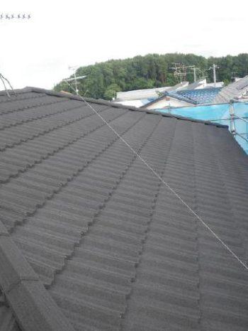 柏市T様邸の屋根カバー工法が完了した様子
