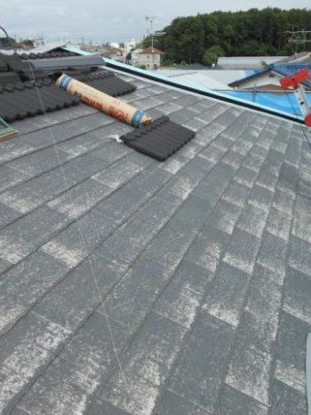 柏市T様邸の屋根カバー工法作業の様子