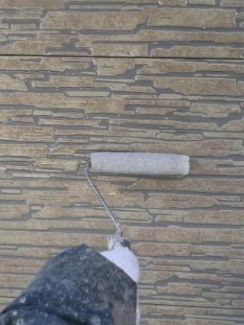 我孫子市K様邸の外壁クリヤー塗装1回目の様子