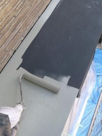 我孫子市K様邸の出窓屋根のサビ止め塗装の様子