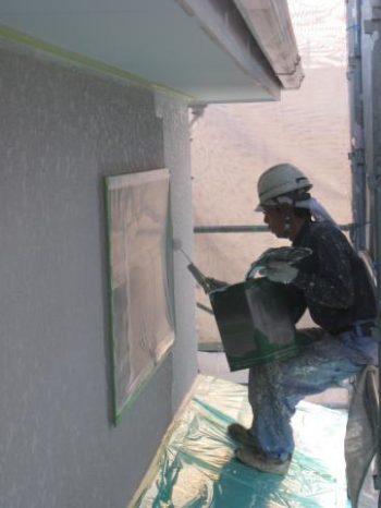 取手市K様邸の外壁塗装の様子