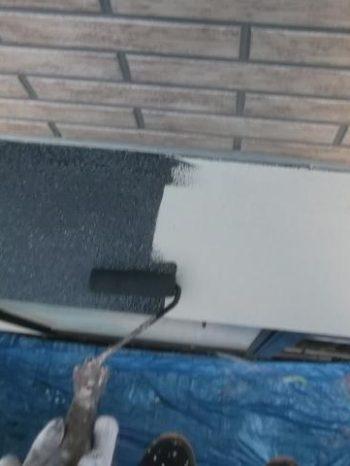 我孫子市K様邸の出窓屋根の上塗り1回目の様子