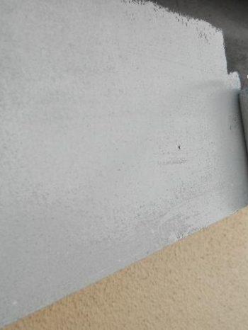 鎌ケ谷市S様邸の破風板の上塗り1回目の様子