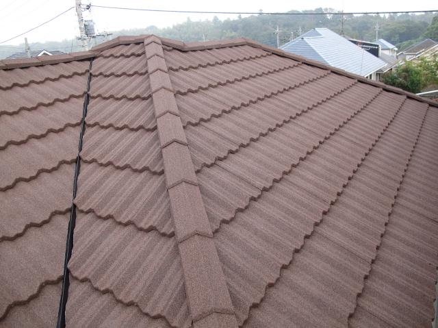 守谷市Y様邸の屋根カバー工法が完了したところ