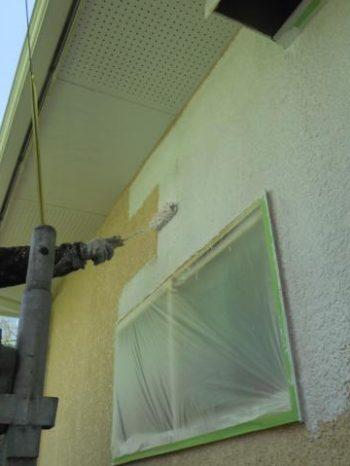 白井市T様邸の外壁下塗り