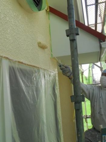 白井市T様邸の外壁上塗り