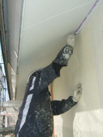 柏市U様邸の外壁塗装の様子