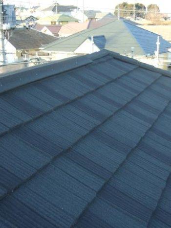 柏市U様邸の屋根カバー工法が完了した様子