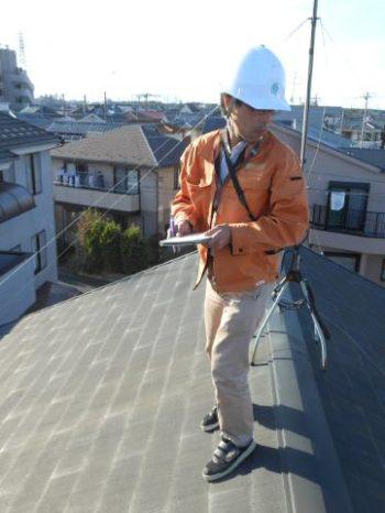 柏市Y様邸の屋根調査の様子