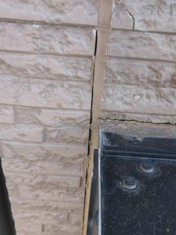 柏市Y様邸の外壁シーリング打ち替え前の様子