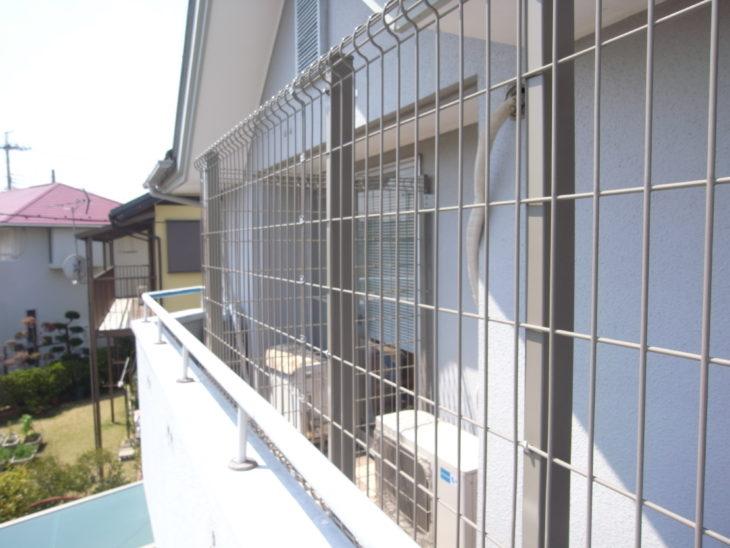 ベランダ猫フェンス取り付け後の様子
